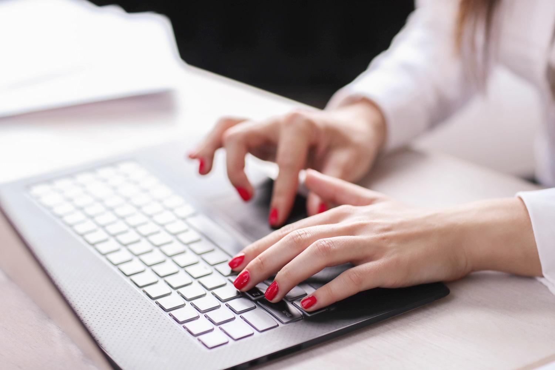 Kiedy zapytamy początkujące osoby czy budowa laptopa jest skomplikowana - odpowiedź będzie jednoznaczna